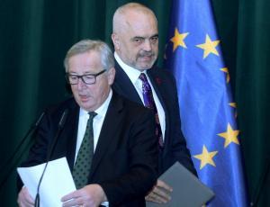 Γιούνκερ σε Ράμα: Λύστε τα προβλήματα με την Ελλάδα