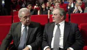 Υπόθεση Novartis: Δίπλα στον Αβραμόπουλο ο Καραμανλής – Τι λέει το περιβάλλον του πρώην πρωθυπουργού