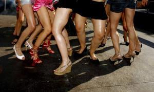 Στη «φάκα» οι αδίστακτοι μαστροποί για πορνεία! Ανάγκαζαν ανήλικη να εκδίδεται 16 ώρες την ημέρα!