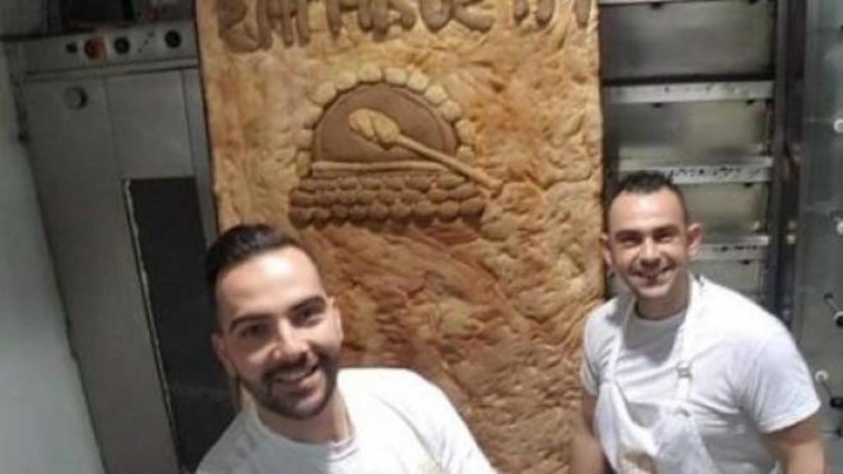 Έφτιαξαν λαγάνα 110 κιλών στην Πάτρα! | Newsit.gr
