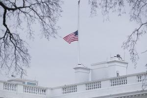 Διαμαρτυρία μαθητών έξω από τον Λευκό Οίκο για την οπλοκατοχή στις ΗΠΑ