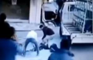 Βίντεο – σοκ: Έκανε μια λάθος κίνηση και έχασε τη ζωή του – Σκληρές εικόνες