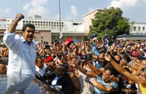 Μαδούρο: Η Κολομβία θέλει να προκαλέσει πόλεμο με τη Βενεζουέλα