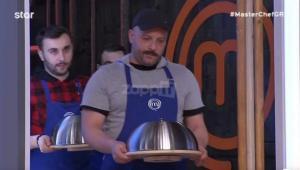 "MasterChef: Επικό ""τρολάρισμα"" στο twitter για το άδειο πιάτο που σέρβιρε η μπλε ομάδα"