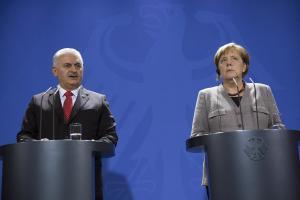 «Ψυχρός πόλεμος» ανάμεσα σε Γερμανία και Τουρκία