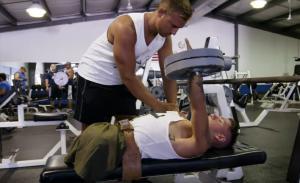Ένας bodybuilder χωρίς άκρα, με τεράστια ψυχή και θέληση