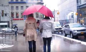 Καιρός για… ομπρέλα για δύο!