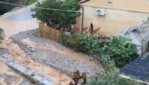 «Βούλιαξαν» τα Σφακιά – Πλημμύρισαν σπίτια, έκλεισαν δρόμοι [pics]