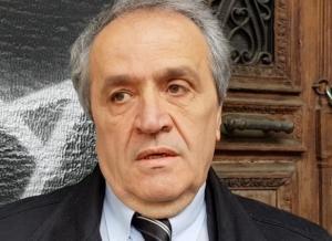 Πάτρα: Ο δικηγόρος Φώτης Λεπίδας καταγγέλλει επίθεση από οπαδούς του Αρτέμη Σώρρα – «Απείλησαν να με καθαρίσουν» [vid]