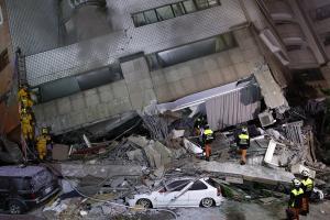 Σεισμός στην Ταϊβάν: Εικόνες που σοκάρουν! Νεκροί και αγνοούμενοι από τα 6,4 Ρίχτερ [pics, vids]