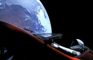 Από τη Γη στο διάστημα ο πύραυλος της SpaceX του Έλον Μασκ –  Ιστορικό ταξίδι στον Άρη [pics, vids]