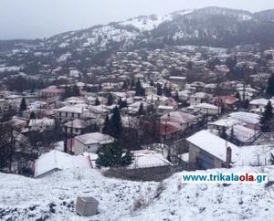 Χιόνια στα ορεινά χωριά της Καλαμπάκας και στην Εγνατία [pics, vid]