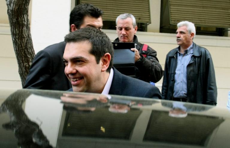 Επίσκεψη με νόημα του Αλέξη Τσίπρα στο Λιμενικό | Newsit.gr