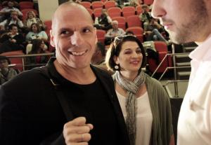 Γιάνης Βαρουφάκης: Στηρίζει το κίνημα «Να μην πνίξουμε το Βελιγράδι»