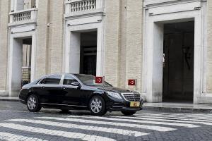 Ο Σουλτάνος στο Βατικανό – Συνάντηση κεκλεισμένων των θυρών Πάπα Φραγκίσκου – Ερντογάν