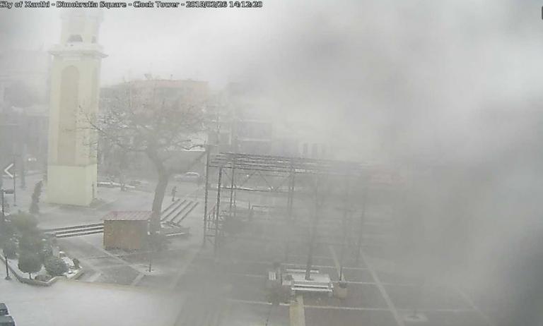 Σφοδρή χιονοθύελλα σε Κομοτηνή και Ξάνθη [vids]   Newsit.gr