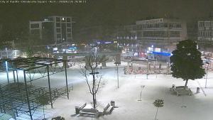 """Καιρός: Η «Λητώ» σαρώνει τη χώρα – Κατολισθήσεις σε χωριό των Τρικάλων – Τα χιόνια """"κάλυψαν"""" τη βόρεια Ελλάδα"""