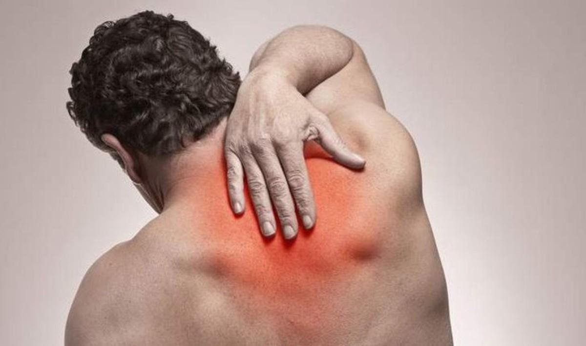 Πόνος στην πλάτη: Τέσσερις απλοί τρόποι ανακούφισης