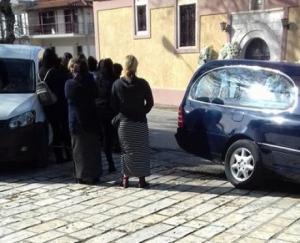 Βόνιτσα: Σπαραγμός στην κηδεία του δίχρονου παιδιού που πνίγηκε μπροστά στον παππού του [pics]