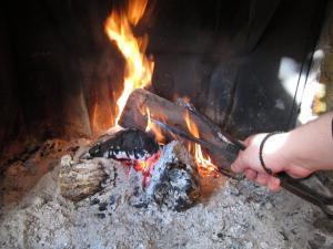 Βόλος: Το ενεργειακό τζάκι που πλήρωσε έκρυβε παγίδες – Η φωτιά ξεσκέπασε το μεγάλο λάθος του τεχνίτη!