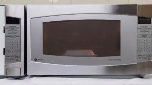 Γιατί να ΜΗΝ λειτουργείτε τον φούρνο μικροκυμάτων άδειο – Προσοχή!