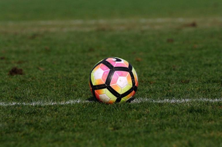 Θεσσαλονίκη: Ξύλο και τραυματίες σε σχολικό αγώνα ποδοσφαίρου – Βγήκαν ακόμα και λοστοί!   Newsit.gr