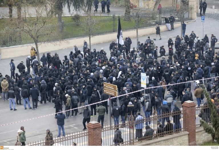 ΠΑΟΚ: Πορεία διαμαρτυρίας οπαδών! Συνθήματα έξω απ'τα γραφεία του ΣΥΡΙΖΑ [vid]   Newsit.gr
