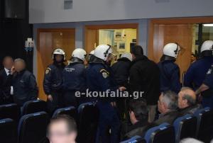 «Ντου» οπαδών του ΠΑΟΚ σε ομιλία του Άδωνι Γεωργιάδη και αναβολή! [pics]