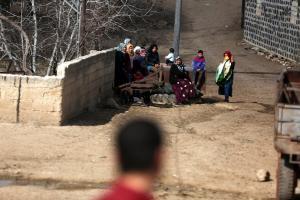 Εκατοντάδες άμαχοι εγκαταλείπουν το Αφρίν – Προ των πυλών ο τουρκικός στρατός