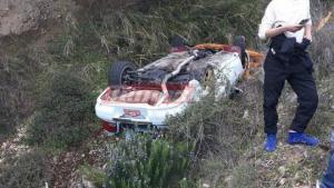 Ατύχημα στο 40ο Ράλι Αχαιός! Αυτοκίνητο έπεσε σε χαράδρα [pics]