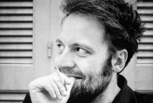Νέα μάχη με την κατάθλιψη για τον συγγραφέα Αύγουστο Κορτώ – Συγκινεί στο facebook