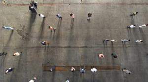 Η συγκινητική βιωματική άσκηση της COSMOTE για το ψηφιακό χάσμα και τις ανισότητες [vid]