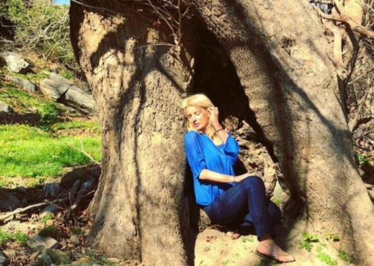 Ελένη Μενεγάκη: Στην Άνδρο με τον Ματέο και την Μαρίνα της! [pic,vid] | Newsit.gr