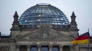 «Το ισλάμ δεν ανήκει στη Γερμανία» – Στροφή 180 μοιρών από τη νέα κυβέρνηση της Μέρκελ