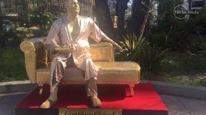 Χρυσό γλυπτό του Γουάινστιν στο Χόλιγουντ – Τολμηρή διαμαρτυρία για τις παρενοχλήσεις