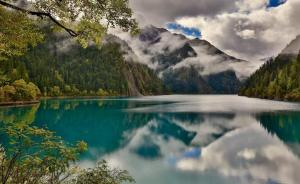 Ανοίγει ξανά το εθνικό πάρκο Jiuzhai Valley