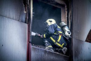 Λάρισα: Τεράστιες οι καταστροφές από τη φωτιά στην εφορία – «Έκλαιγα από την εικόνα που αντίκρισα…»