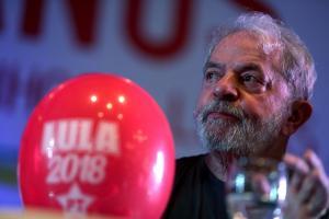 Βραζιλία: Πιο κοντά στη φυλακή ο Λούλα – Προβάδισμα στις δημοσκοπήσεις παρά την καταδίκη
