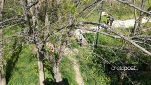 Ηράκλειο: Πτώμα γυναίκας σε πάρκο – Αποκλείστηκε η περιοχή από αστυνομικούς [pics]