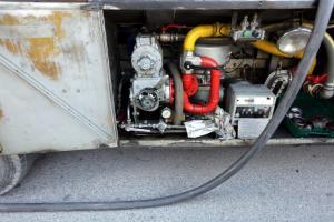 Κόβουν καύσιμα και πετρέλαιο θέρμανσης για τα βγάλουν πέρα