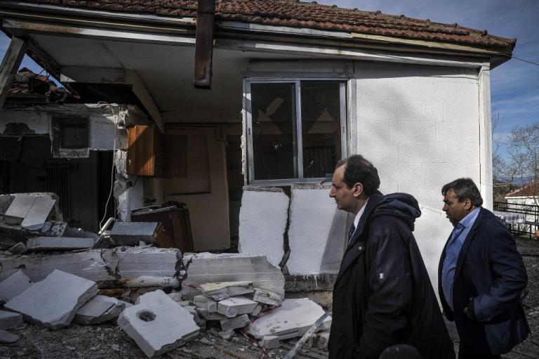 Στα Τρίκαλα ο Σπίρτζης – Μέτρα για τους πληγέντες από πλημμύρες και κατολισθήσεις [pics, vid] | Newsit.gr