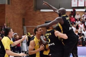 Basketball Champions League: Απίστευτη πρόκριση στα προημιτελικά για ΑΕΚ! Ο Πάντερ «σκότωσε» τη Νίμπουρκ [vid]