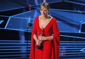 Oscars 2018: Η θλιμμένη αφιέρωση από τη νικήτρια του Όσκαρ Β γυναικείου ρόλου
