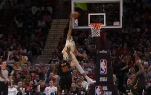 NBA: Top 10 με απίστευτο κάρφωμα από Αντετοκούνμπο! [vid]