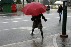 Καιρός: Κυριακή με… ανοιχτά μαγαζιά και βροχές!