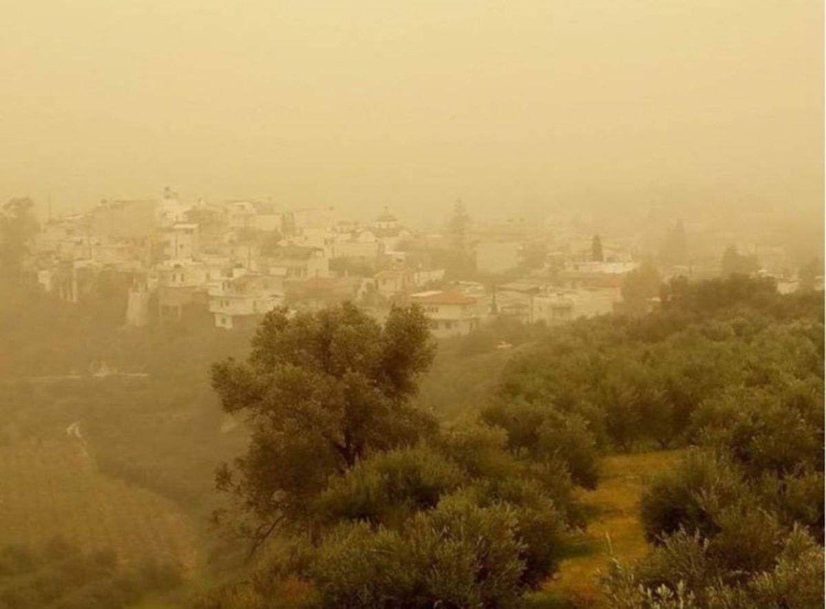 Μανιασμένος αέρας και αφρικανική σκόνη «μαστιγώνουν» τη χώρα! | Newsit.gr