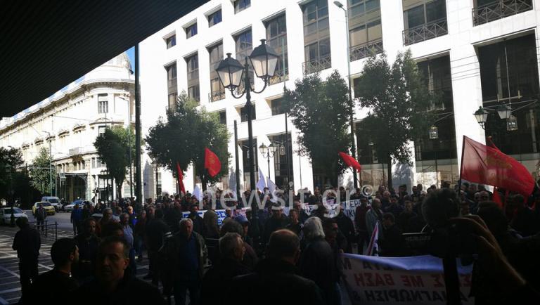 Οικοδόμοι: Πορεία στο Κολωνάκι και στο υπουργείο Εργασίας | Newsit.gr