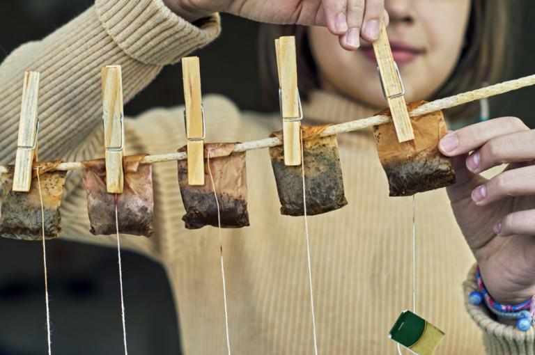Μην πετάτε τα φακελάκια από το τσάι – Δείτε πόσα μπορούν να κάνουν! | Newsit.gr