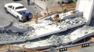 Νεκροί και τραυματίες από την κατάρρευση πεζογέφυρας στη Φλόριντα! Συγκλονιστικές εικόνες
