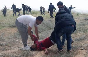 «Λουτρό αίματος» στη Λωρίδα της Γάζας: Τουλάχιστον 15 νεκροί – Πάνω από 1.400 τραυματίες